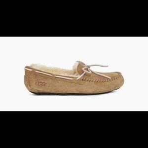 Ugg Dakota slipper moccasin